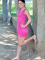 Loren flashes her pussy in the park